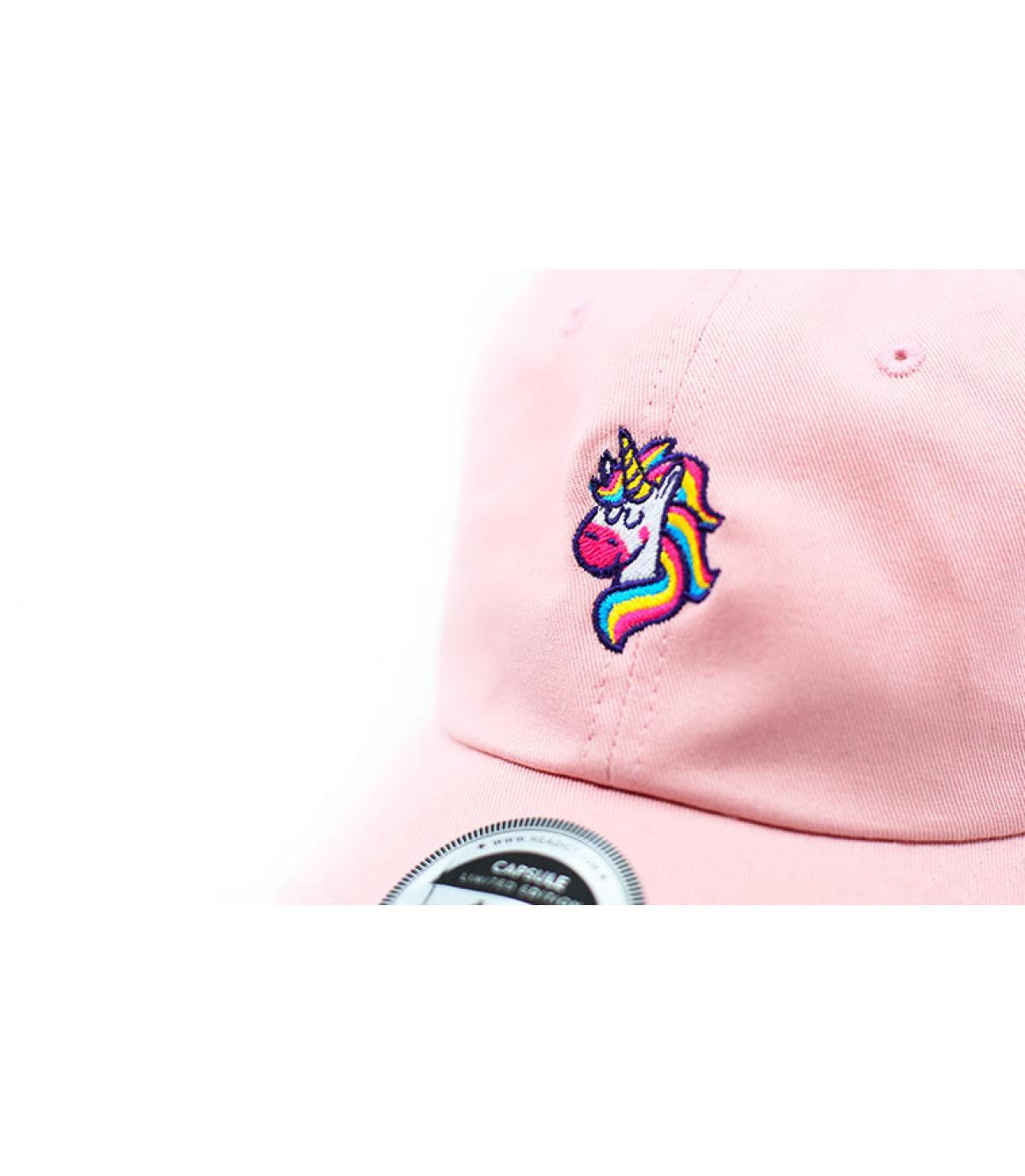 Détails Casquette Unicorns Are Real pink - image 3