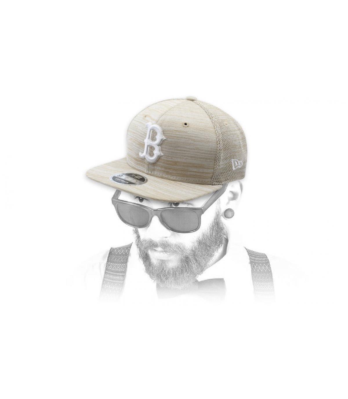beige B snapback Engineered