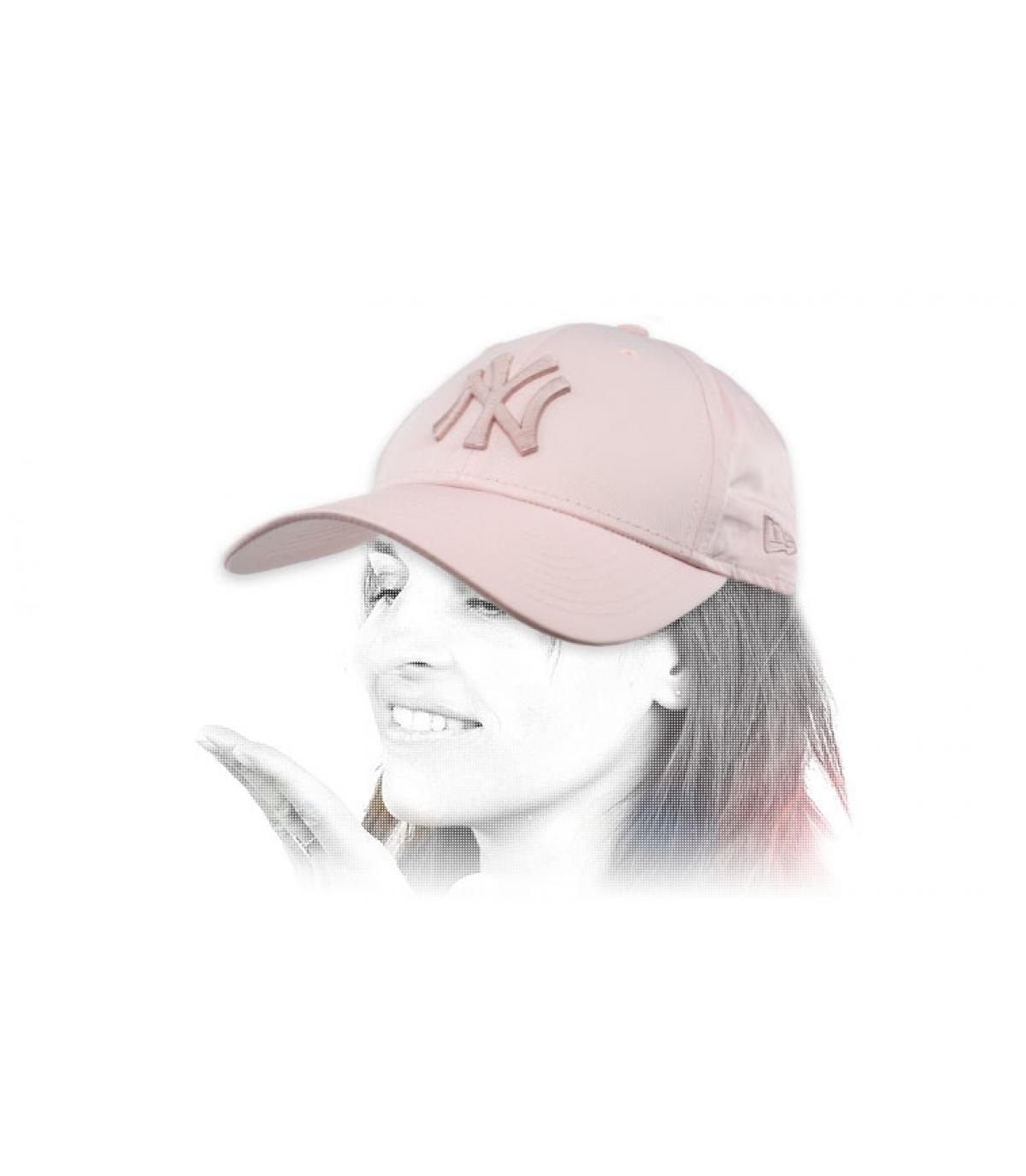 women NY cap pink
