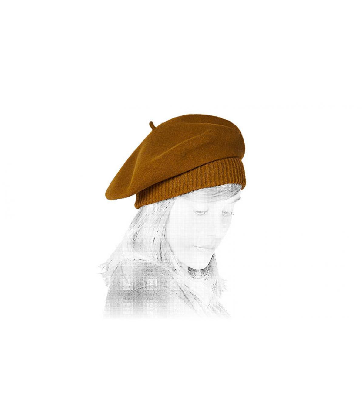 beige falling beret