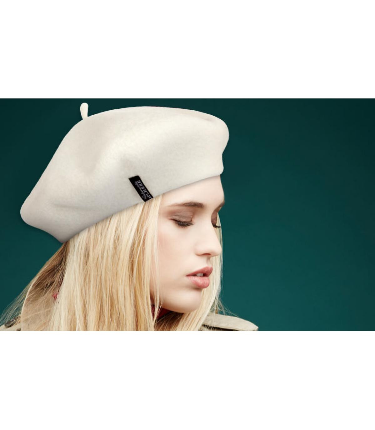 beige wool beret Laulhère.