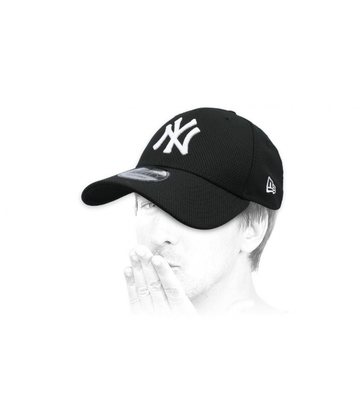 black NY cap Diamond