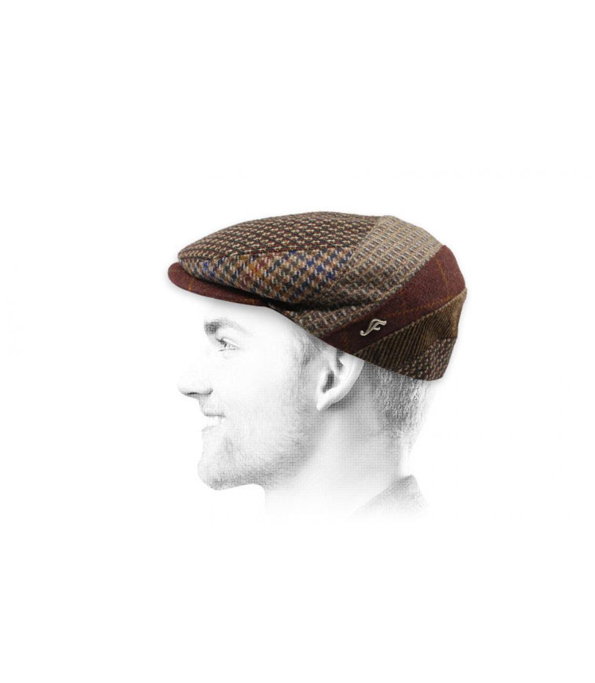 brown flat cap wool pattern