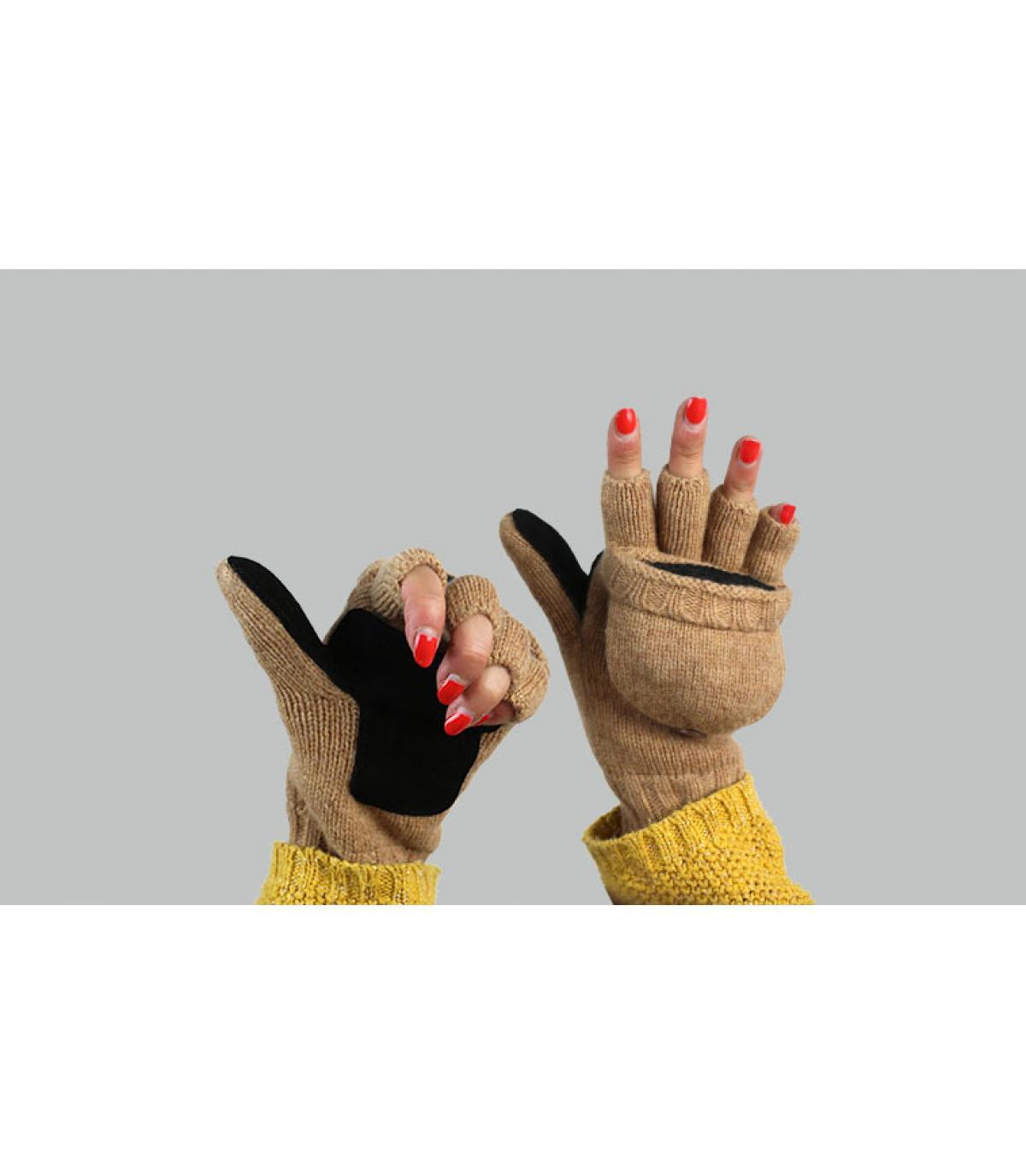 women mitten gloves beige