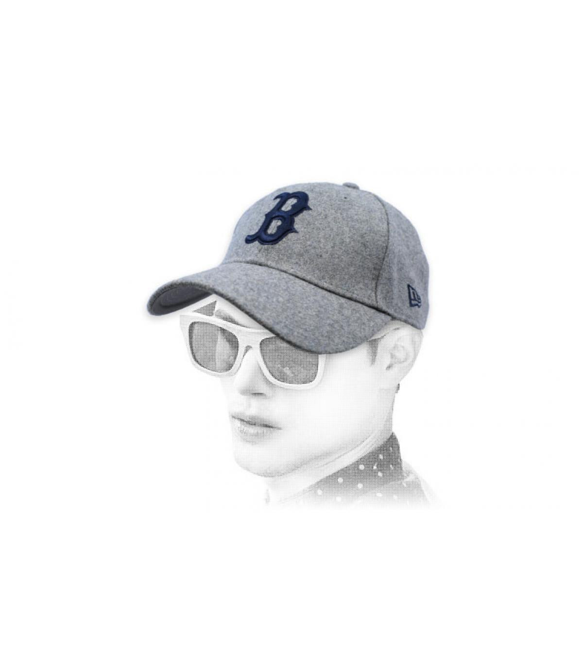 grey B cap wool
