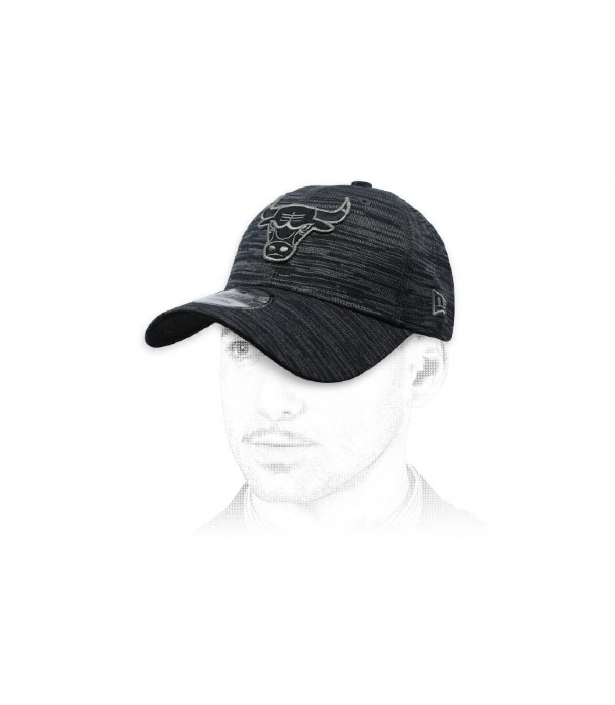 heather black Bulls cap