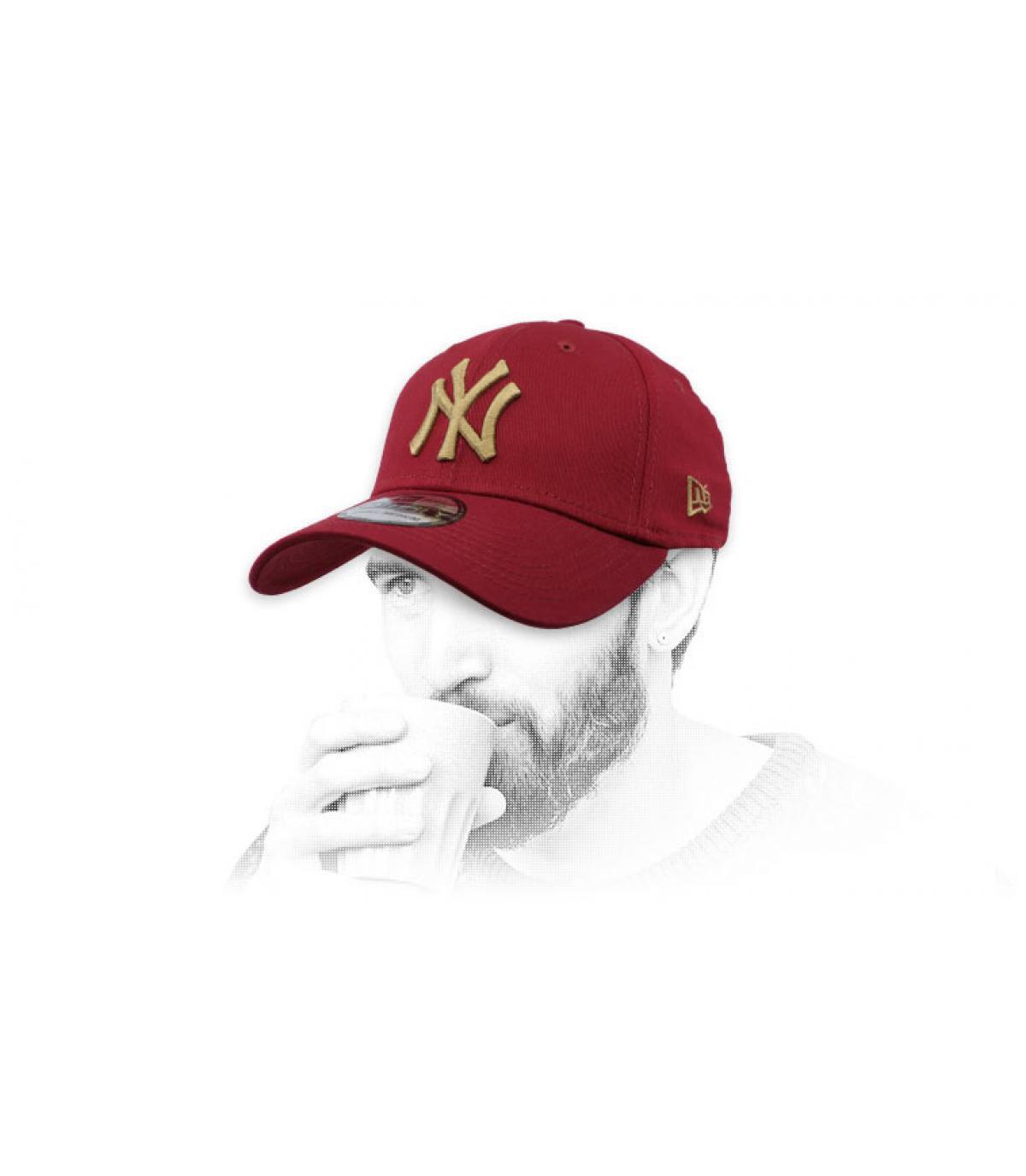 burgundy NY cap