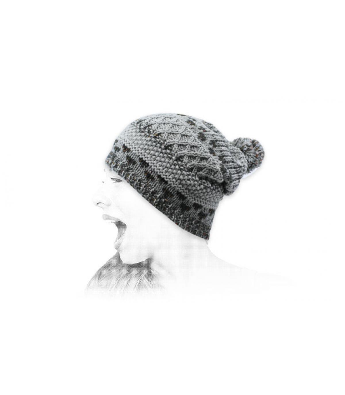 grey beanie pompom pattern