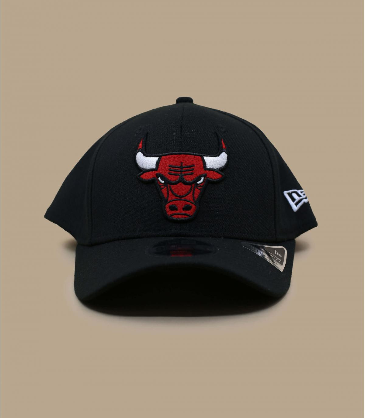 black Bulls cap - Stretch Snap Bulls 9Fifty by New Era. Headict d3c2165f9de