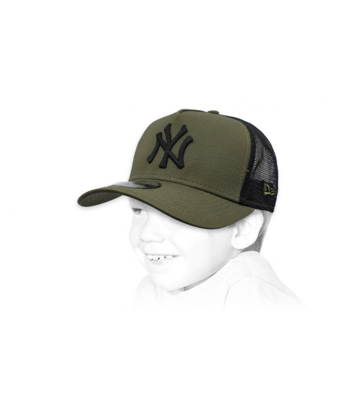green kids NY trucker