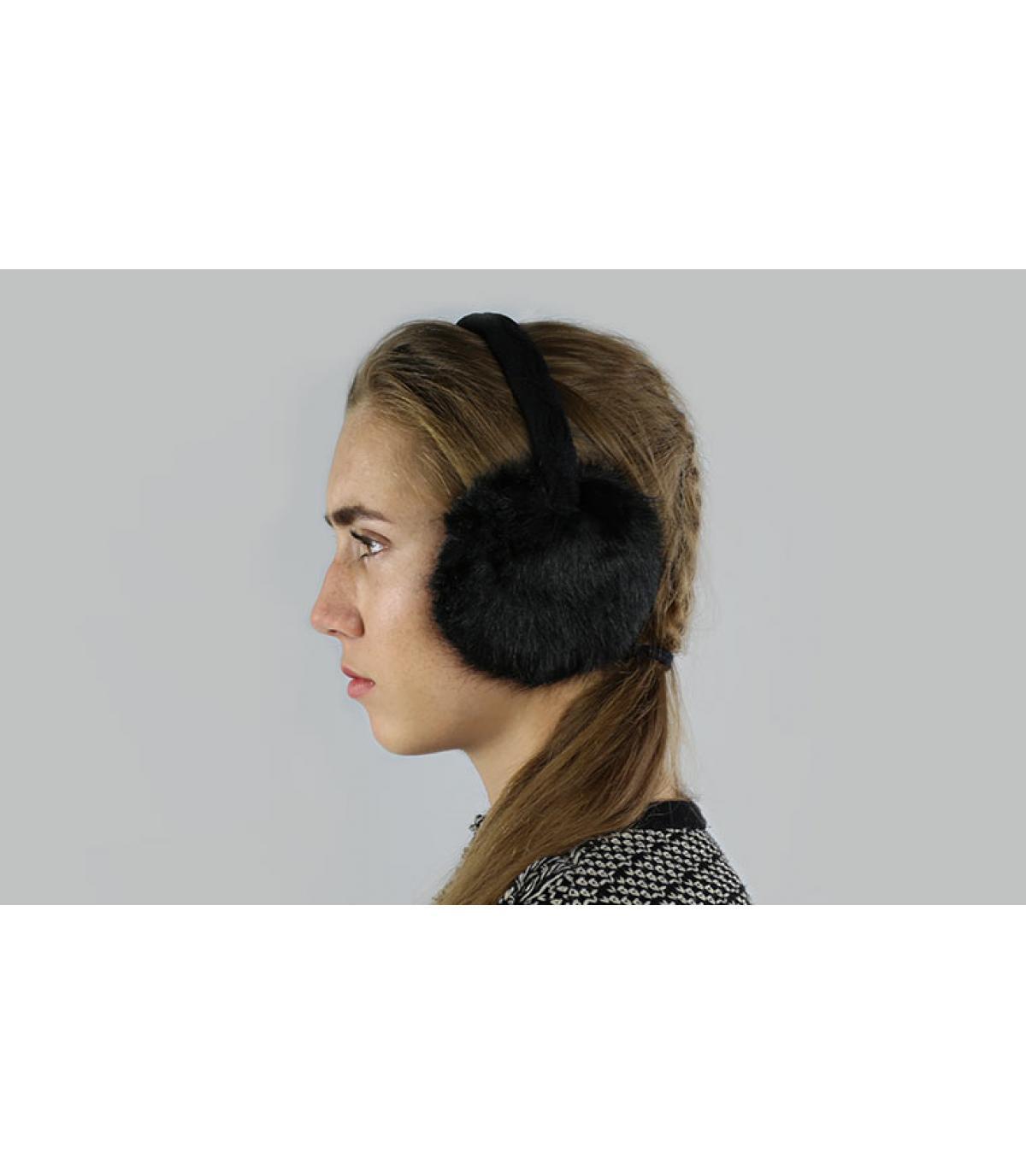 Black earmuffs