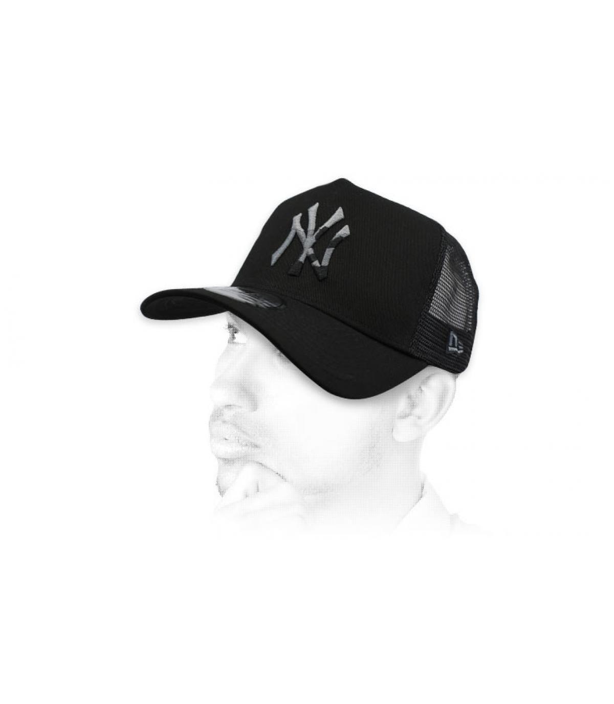 black trucker NY camo