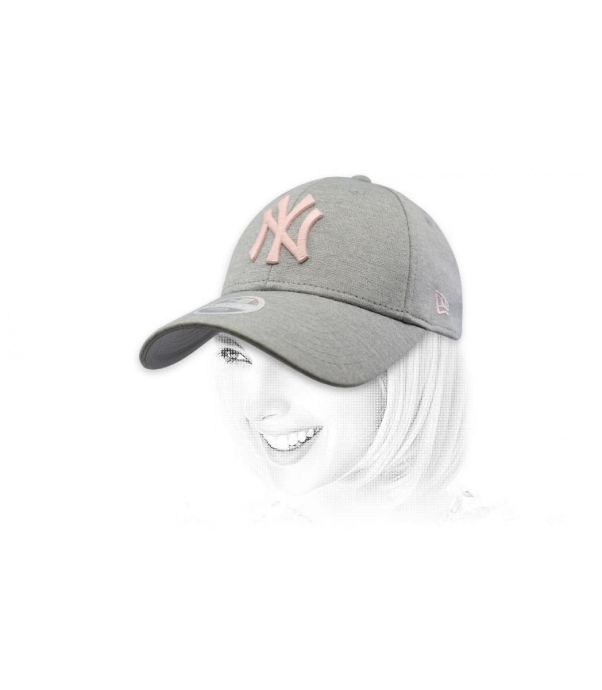 women NY cap grey pink