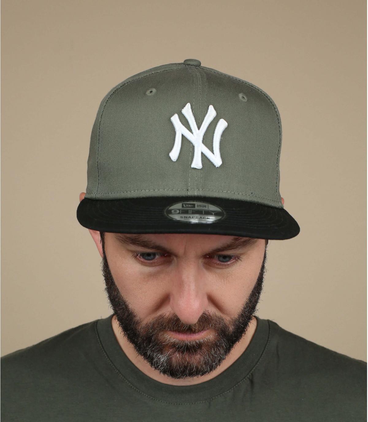NY snapback green