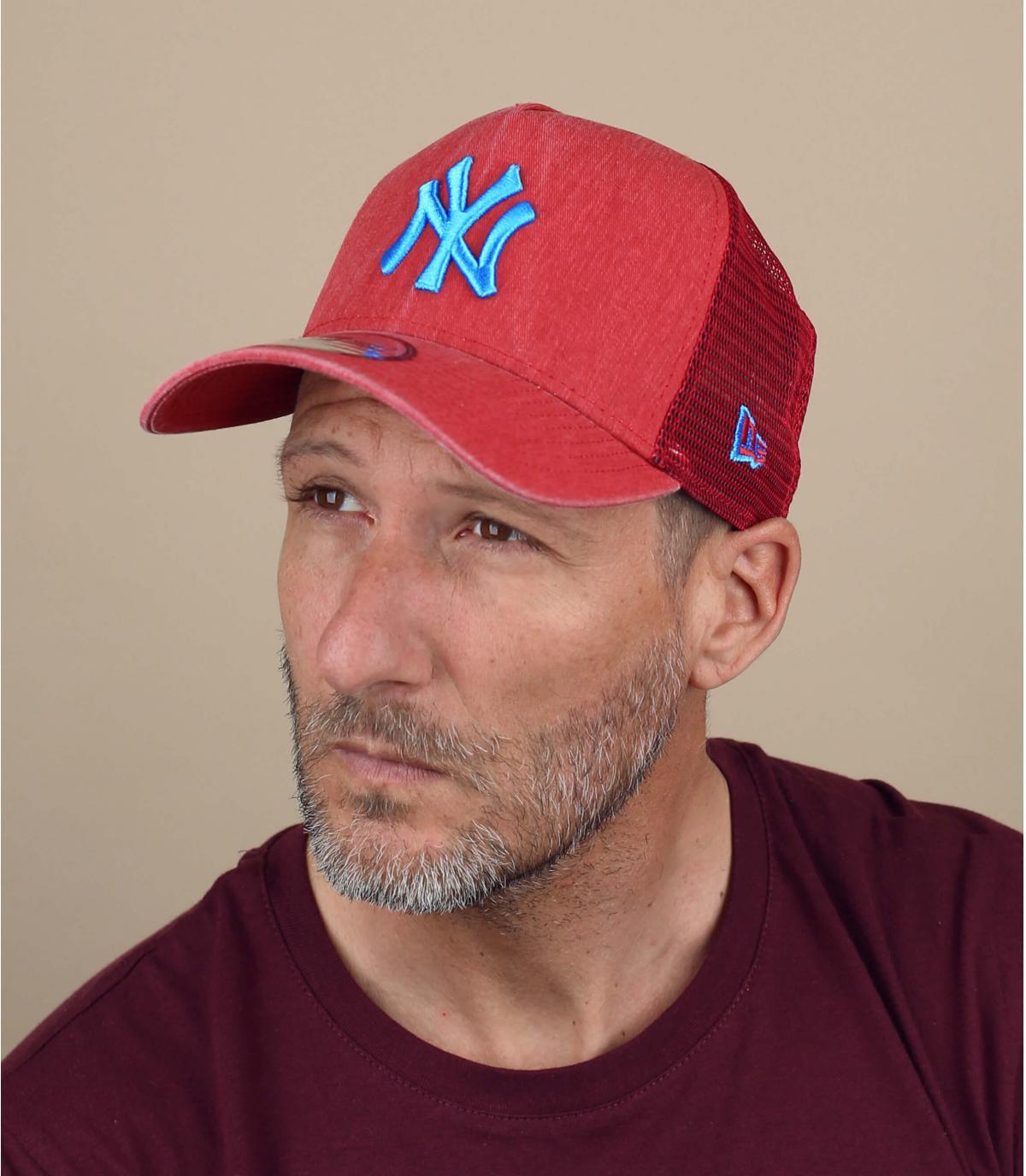 blue red NY trucker