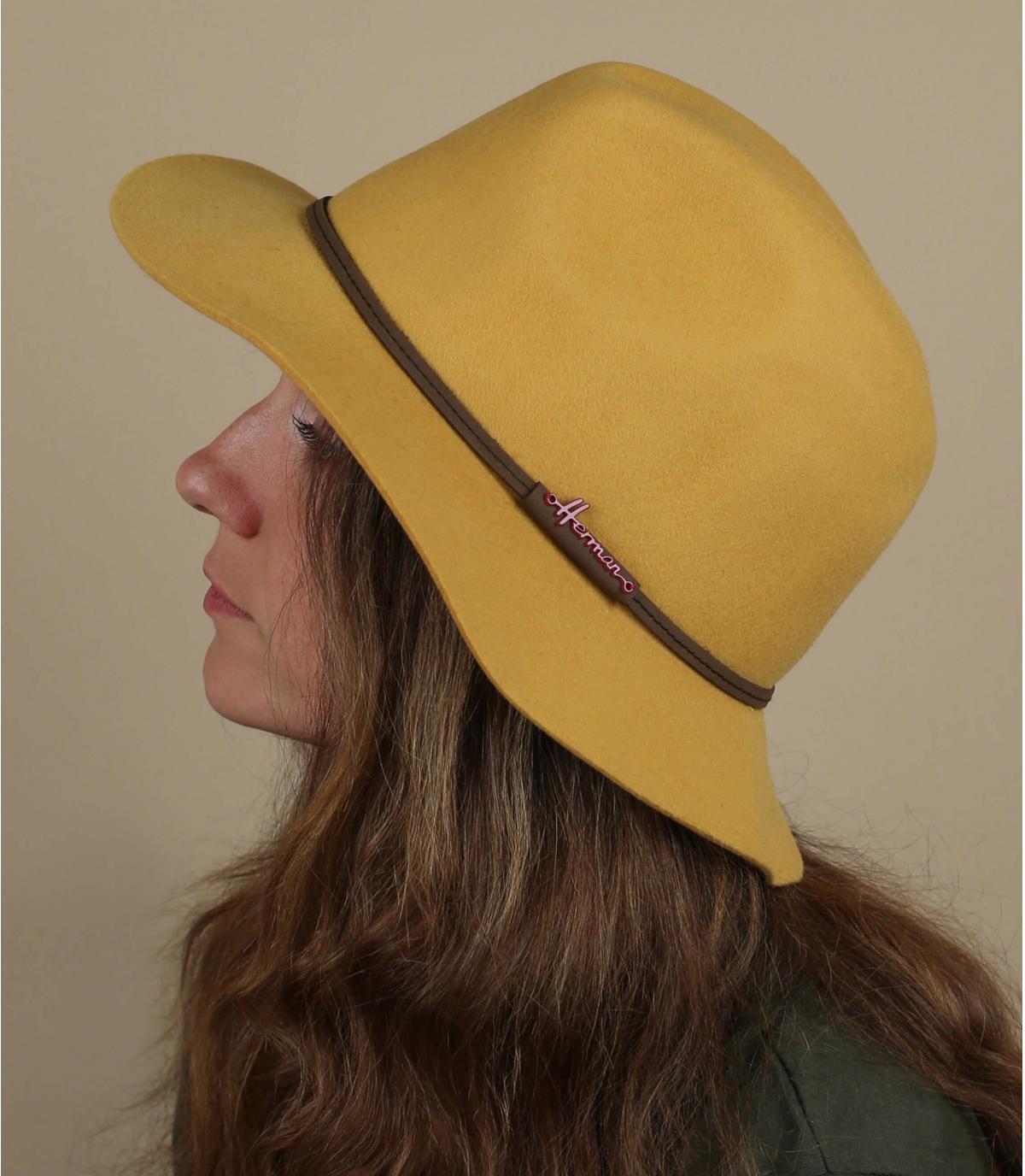 mustard fedora Herman
