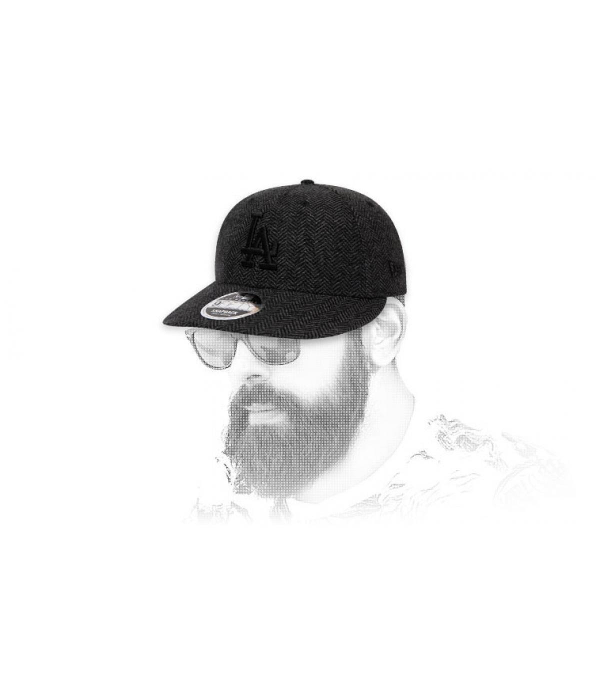 black LA snapback tweed
