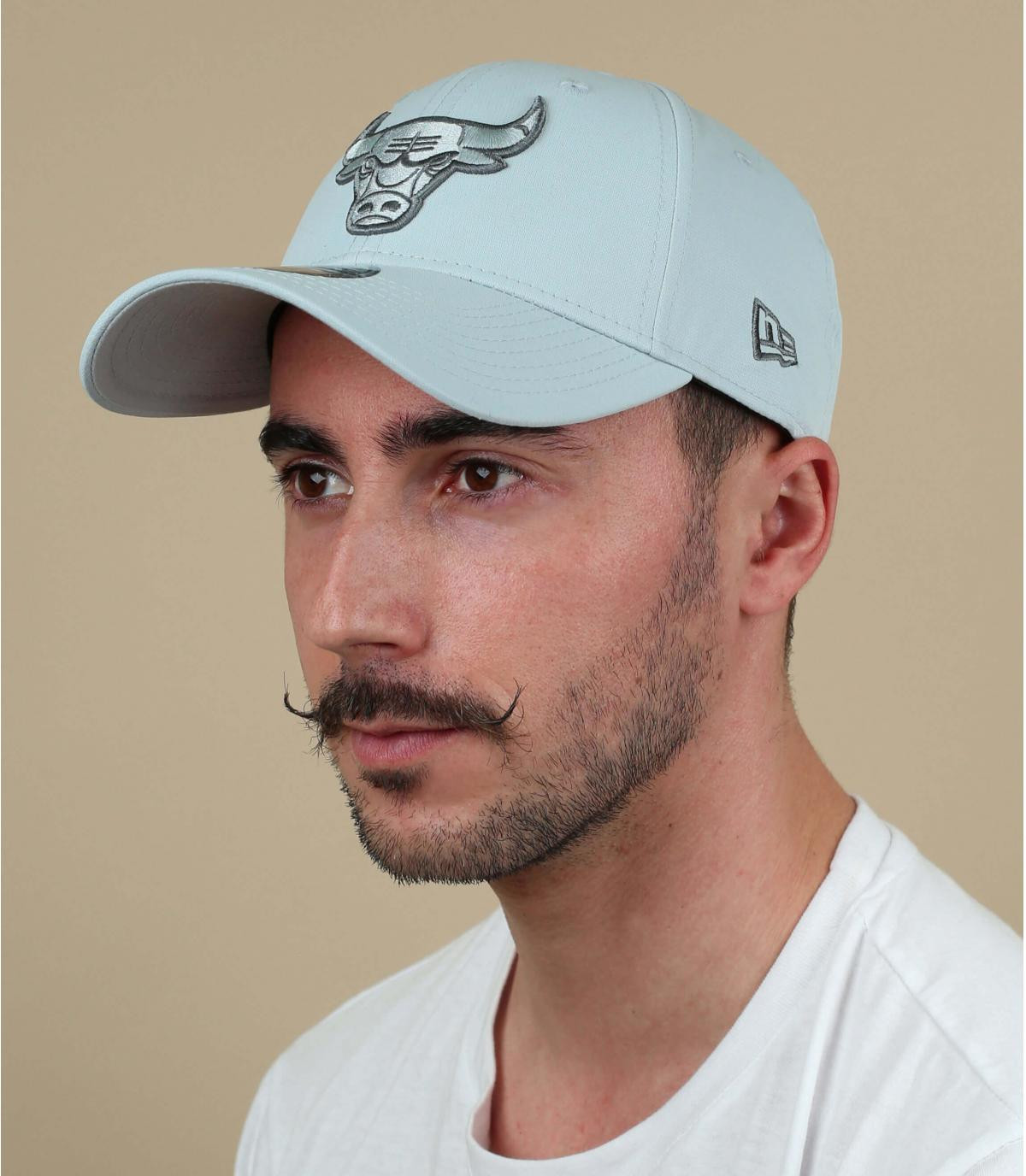grey printed Bulls cap