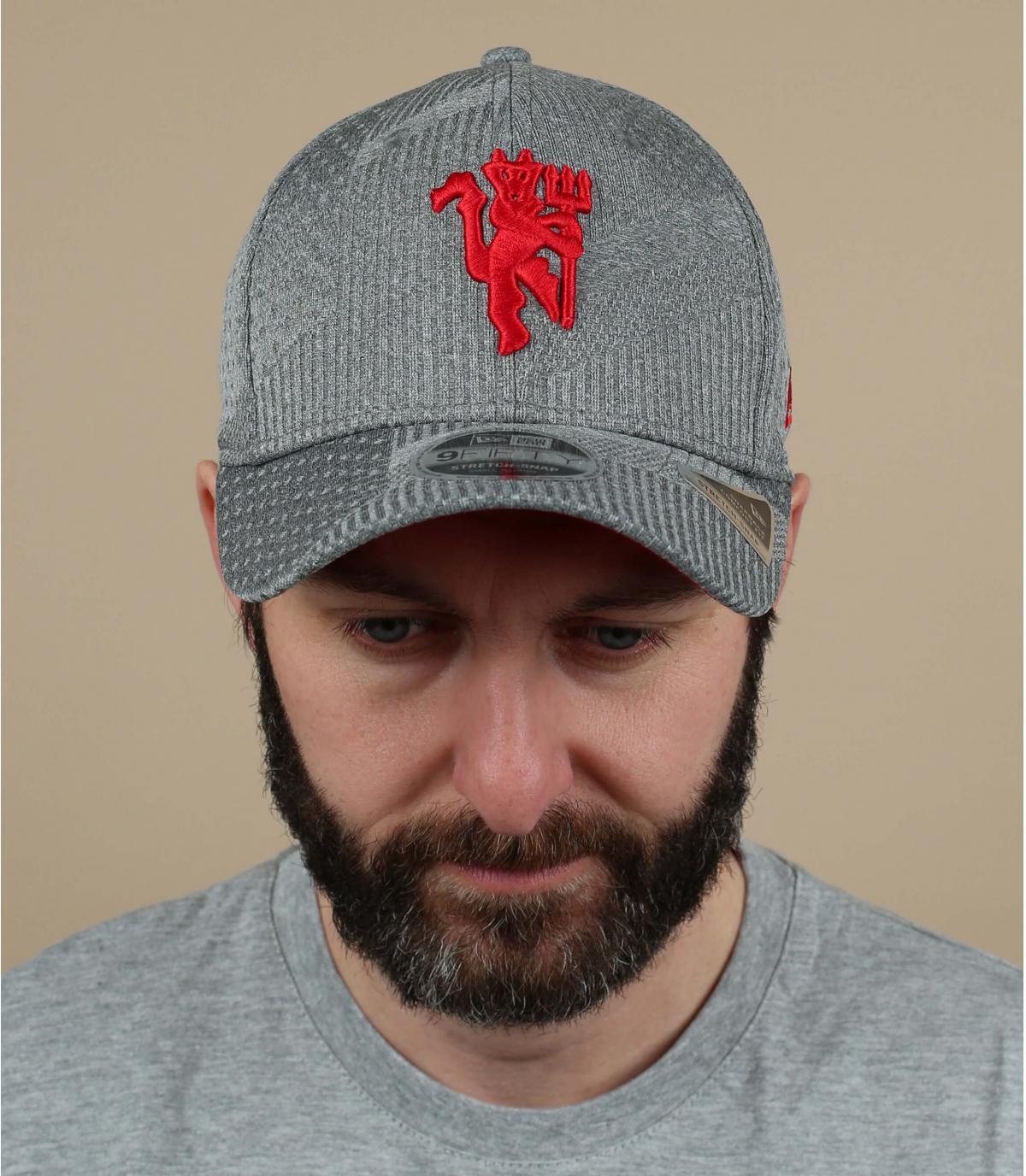 grey Manchester cap