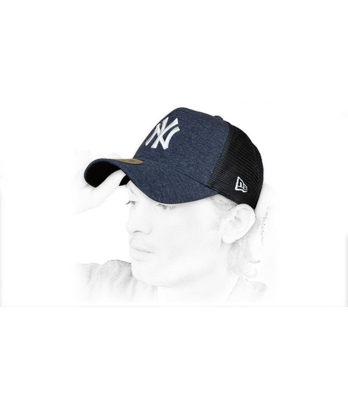 blue white NY trucker