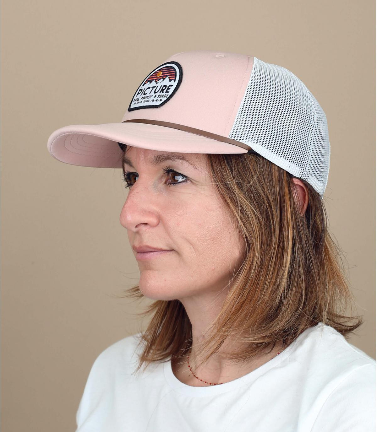 pink Picture trucker
