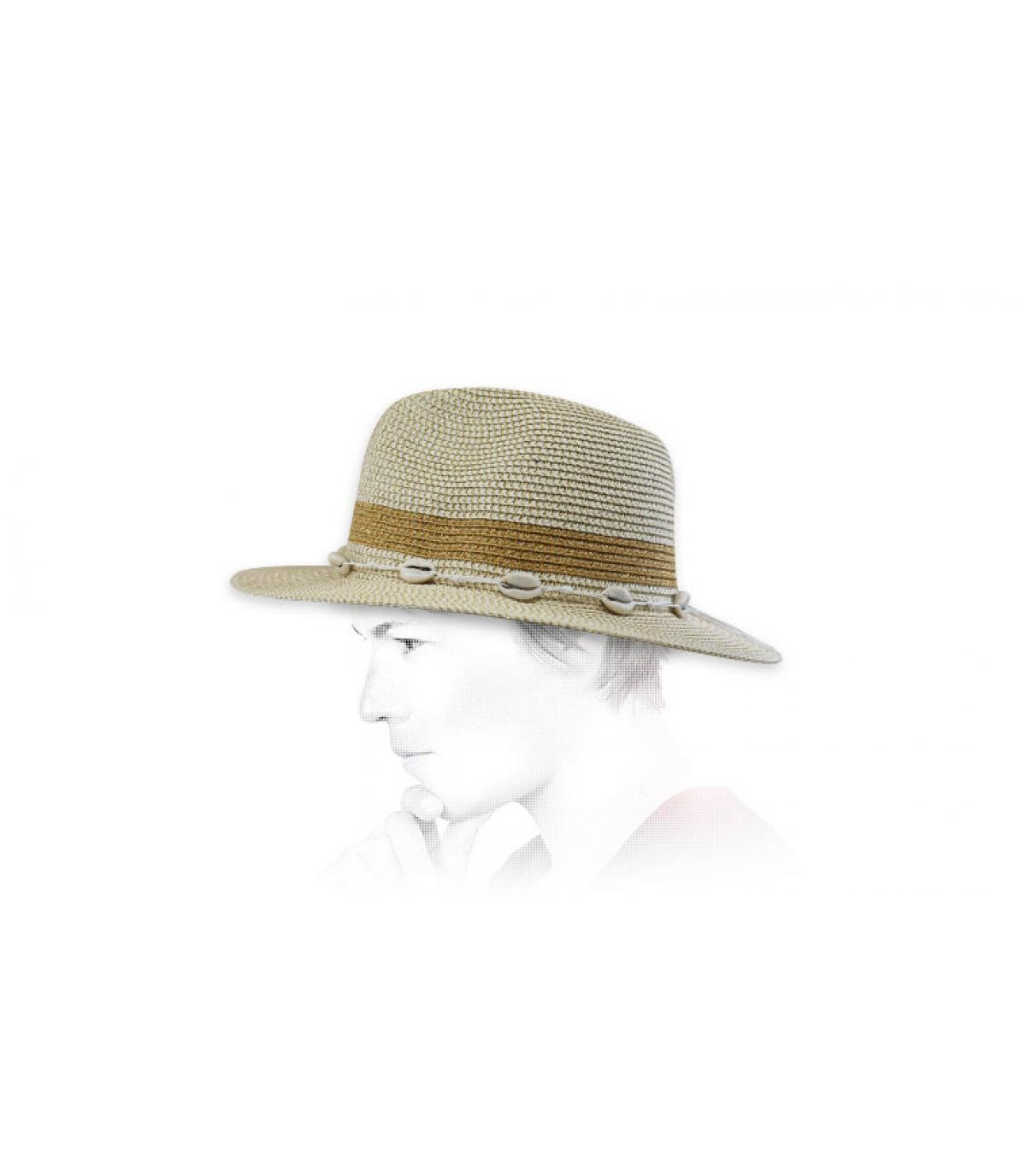 straw hat gold seashells