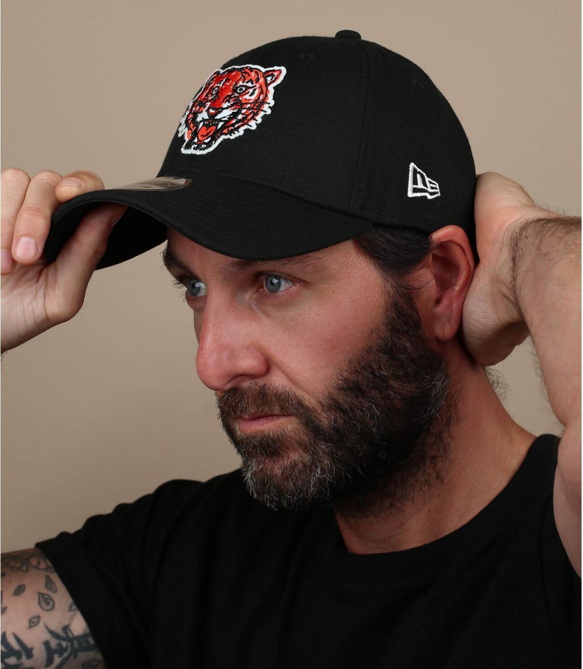 Black Detroit tiger cap