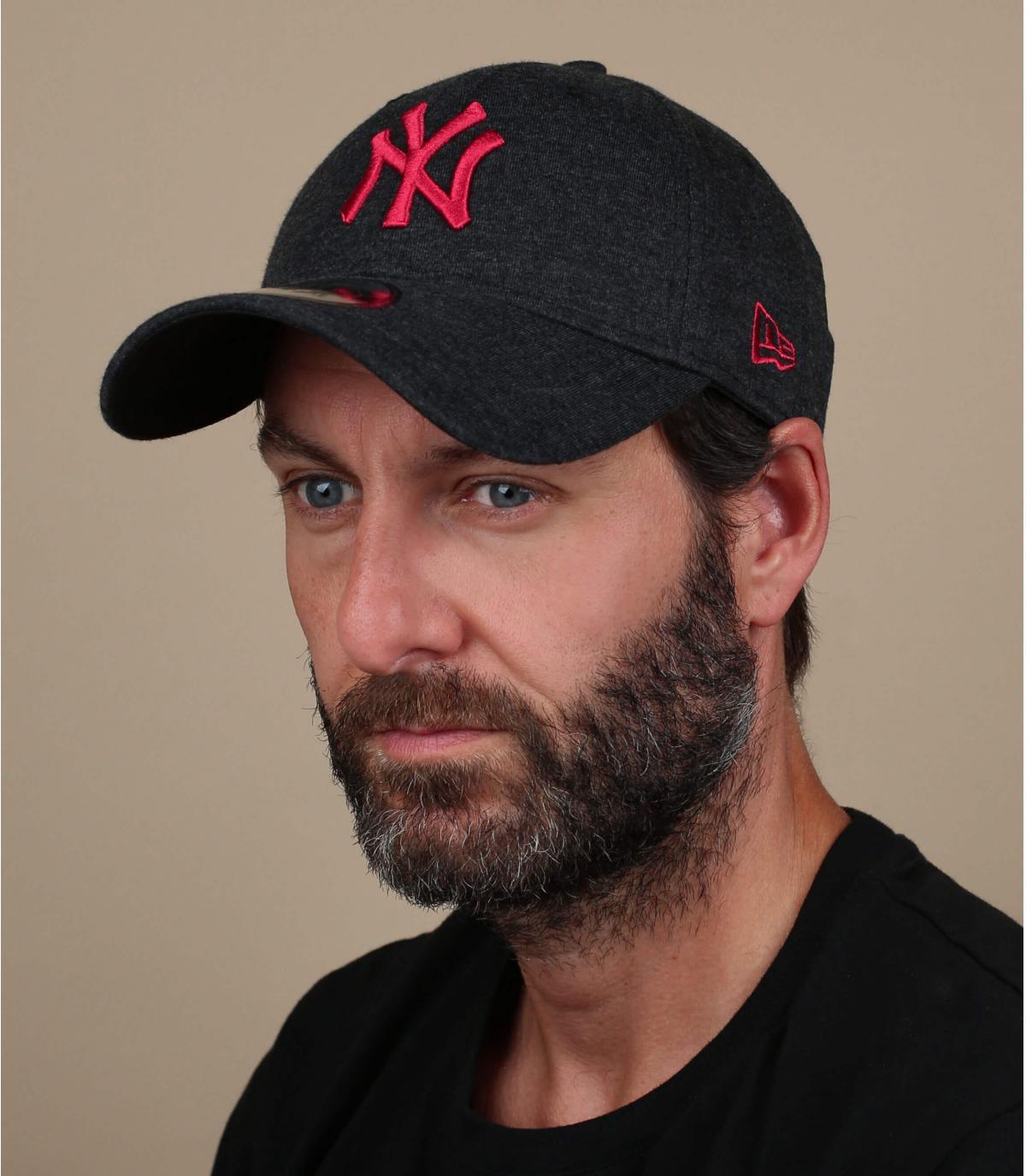 black red NY cap