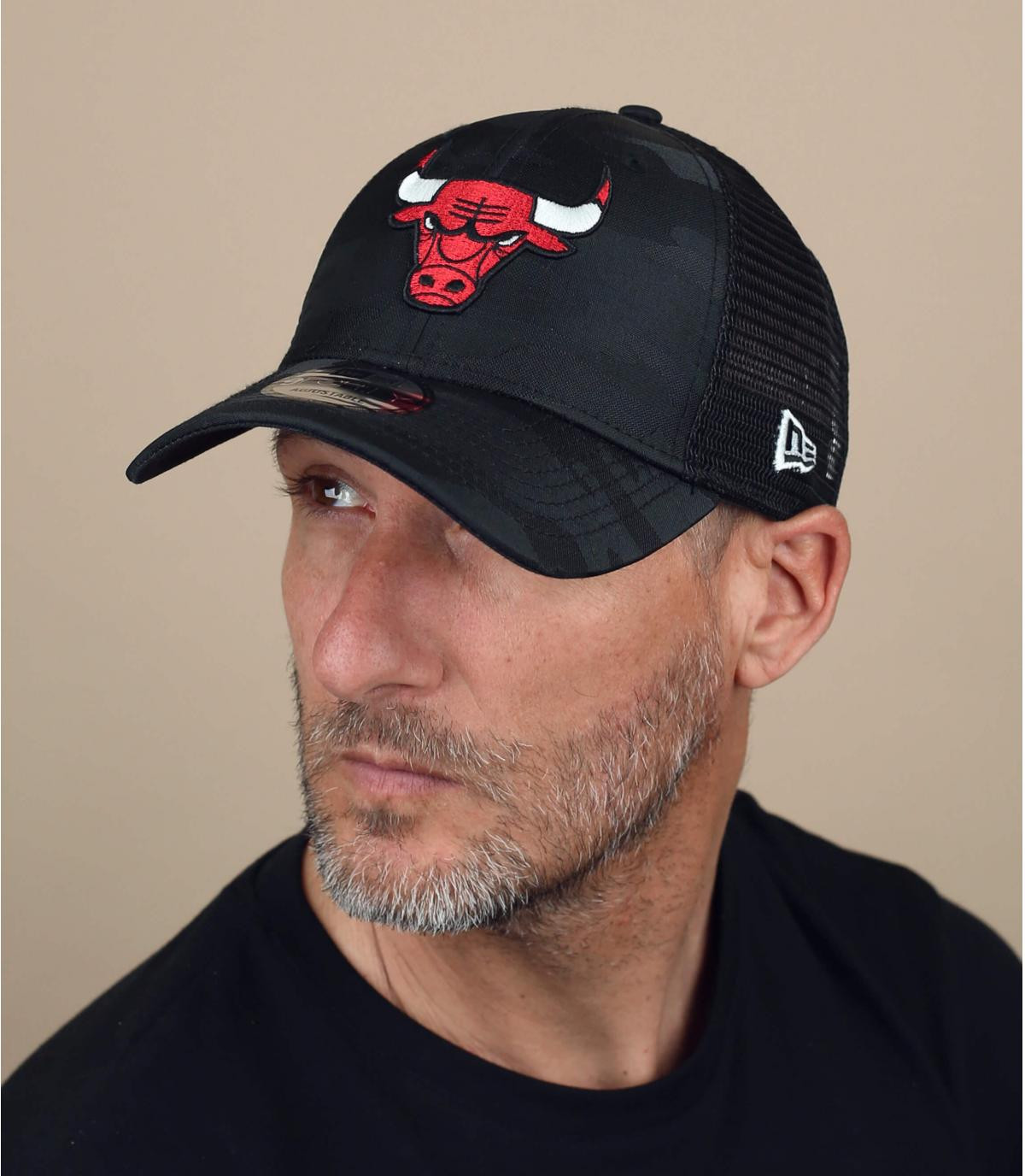 black Bulls trucker