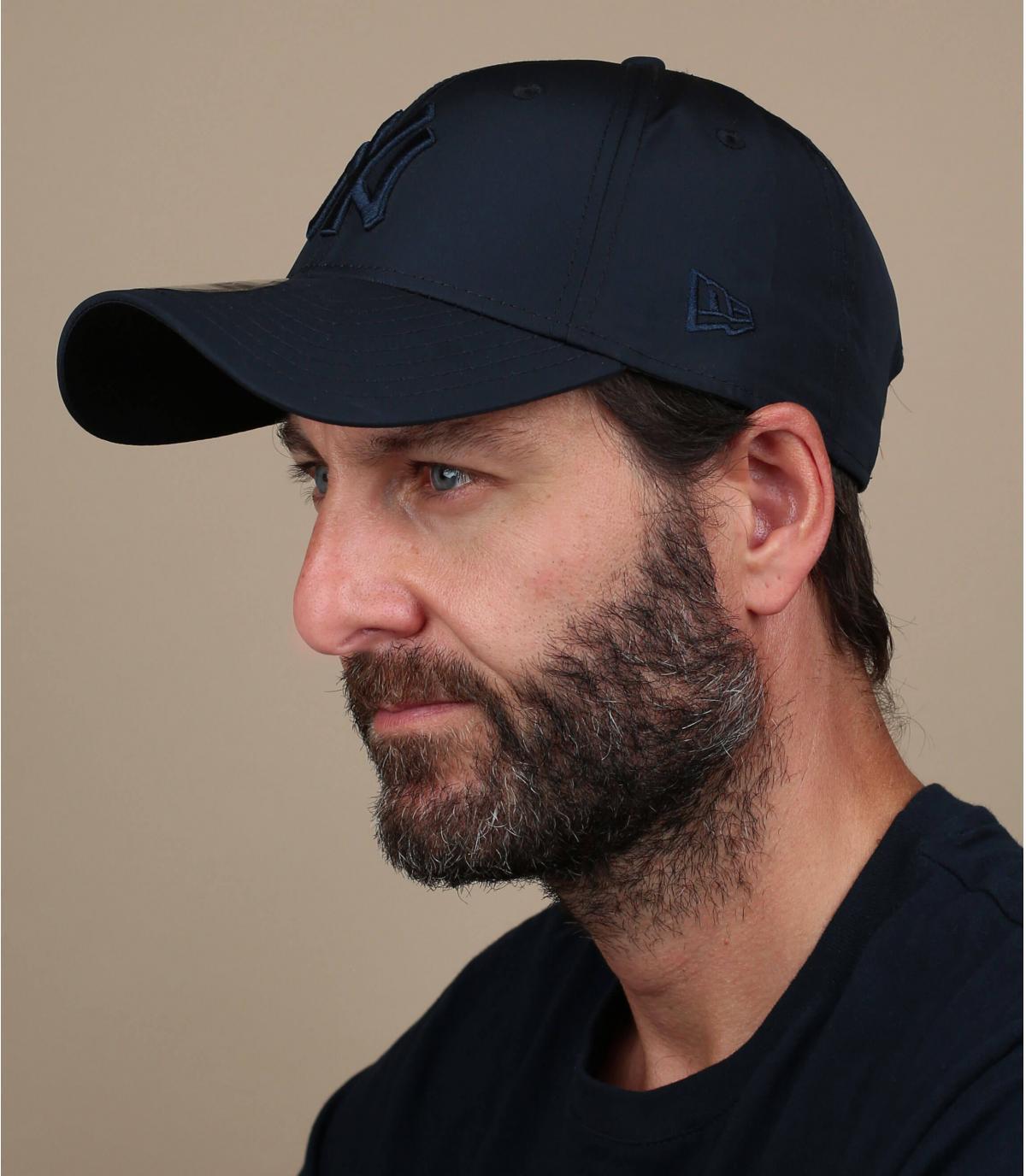 black foldable NY cap