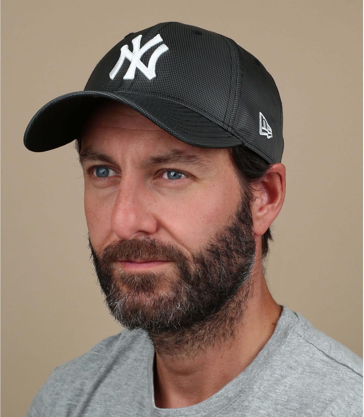 black NY cap ripstop