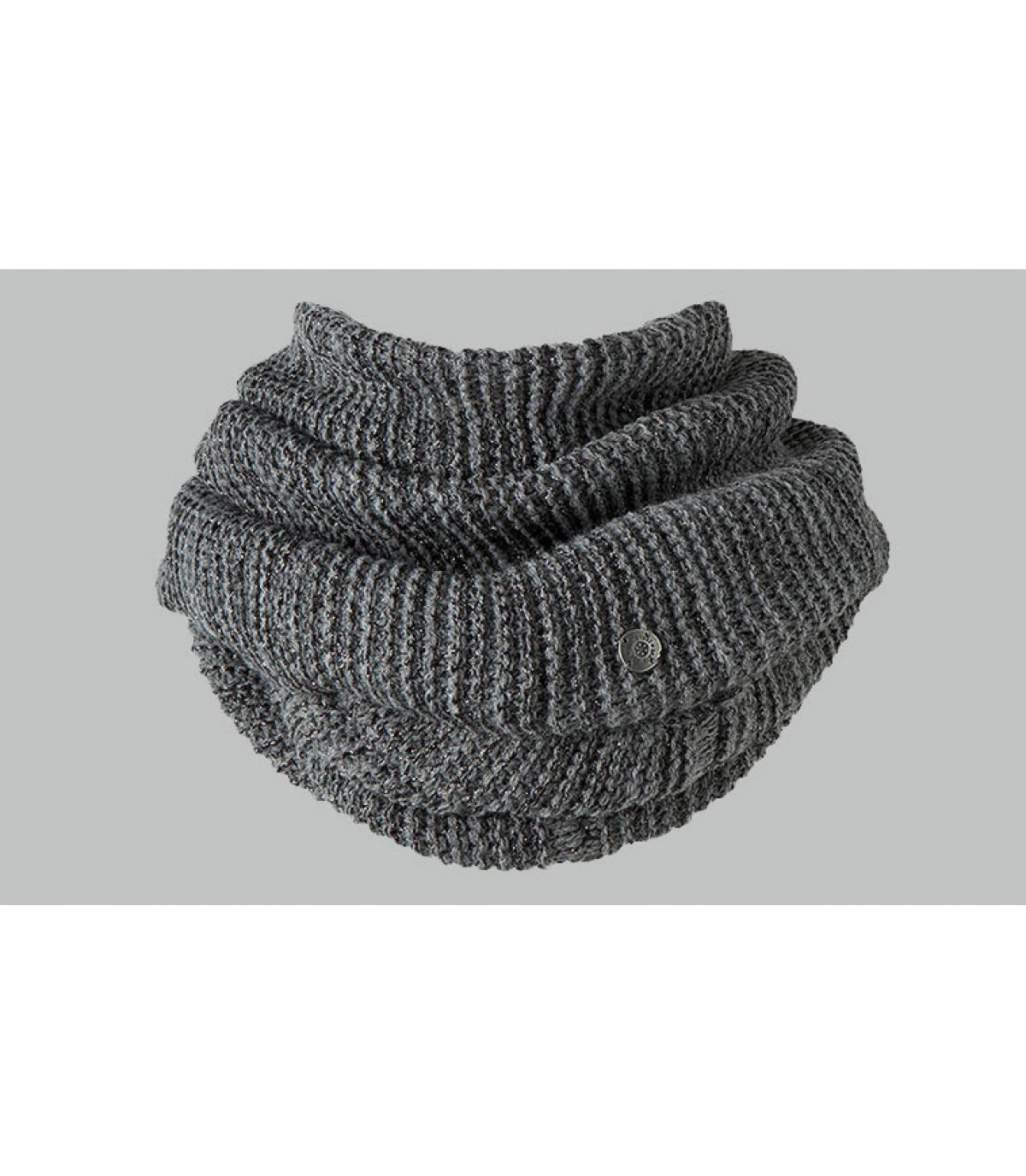 Grey col scarf