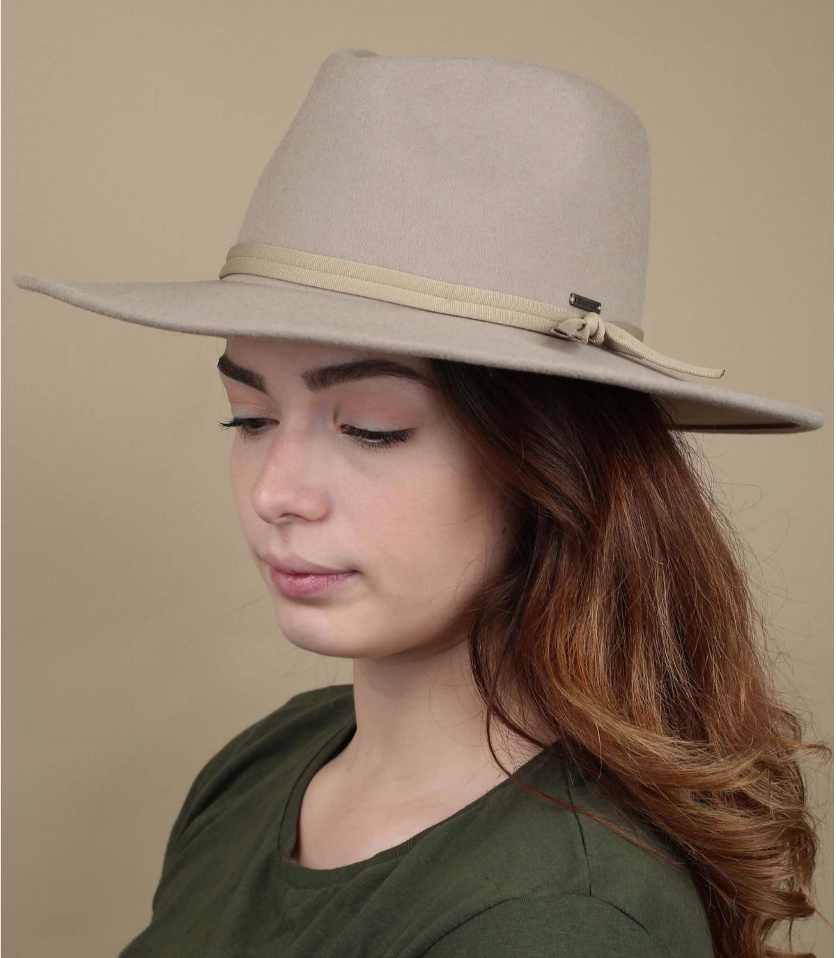 Beige foldable felt hat