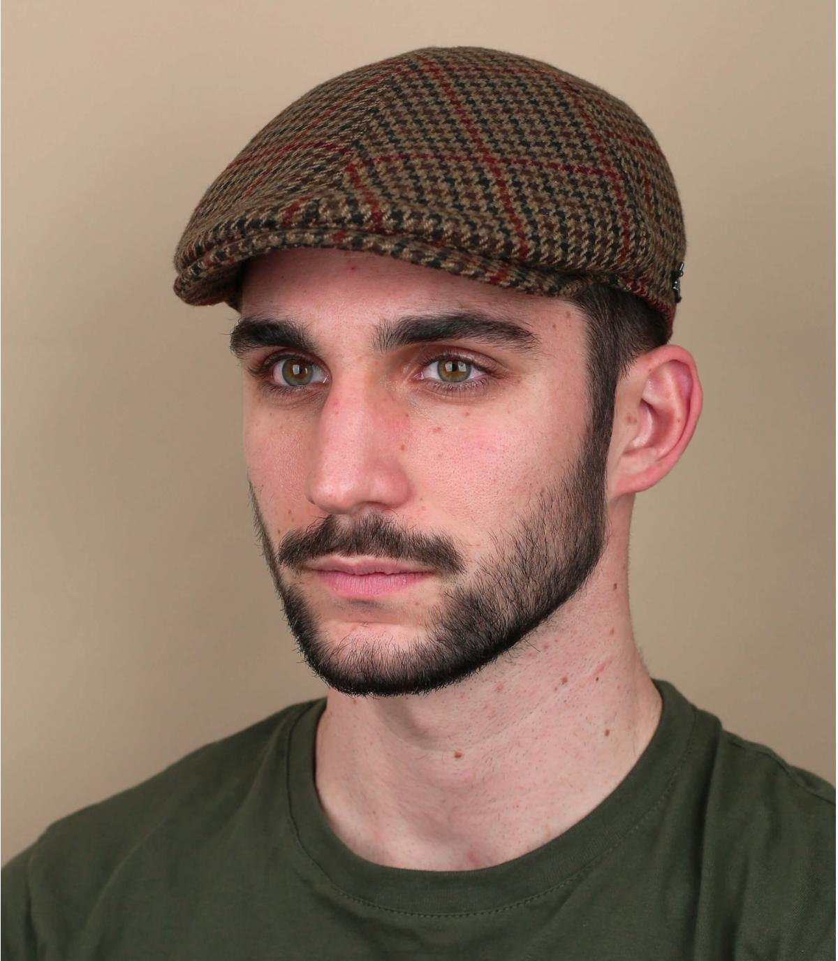 Beige flat cap houndstooth
