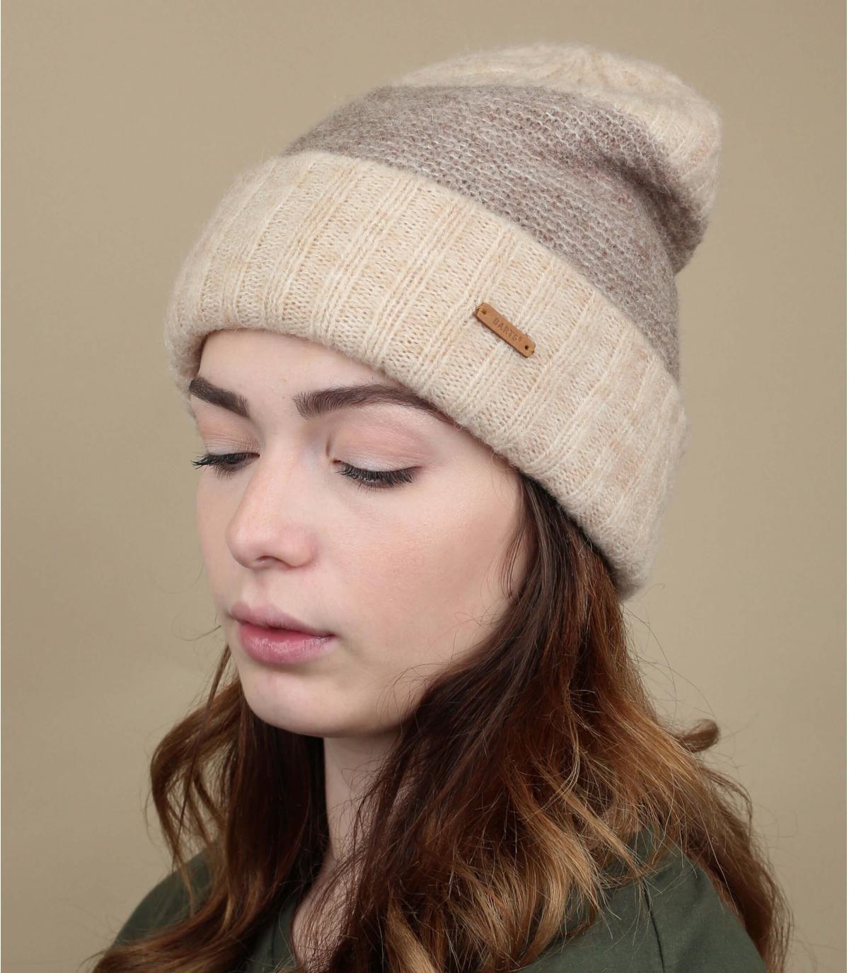 beige cuffed beanie wool