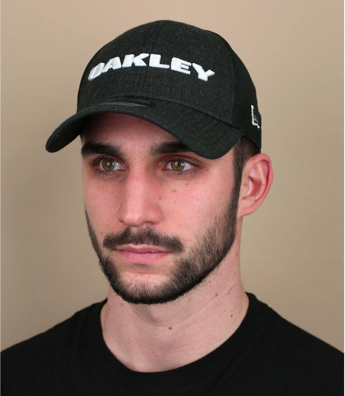 black Oakley trucker