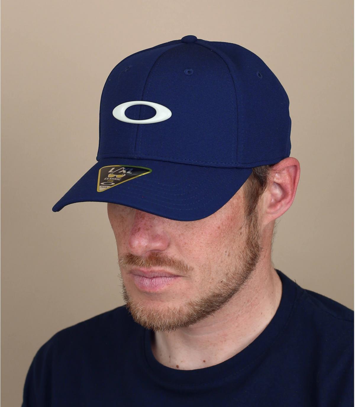 navy blue Oakley cap