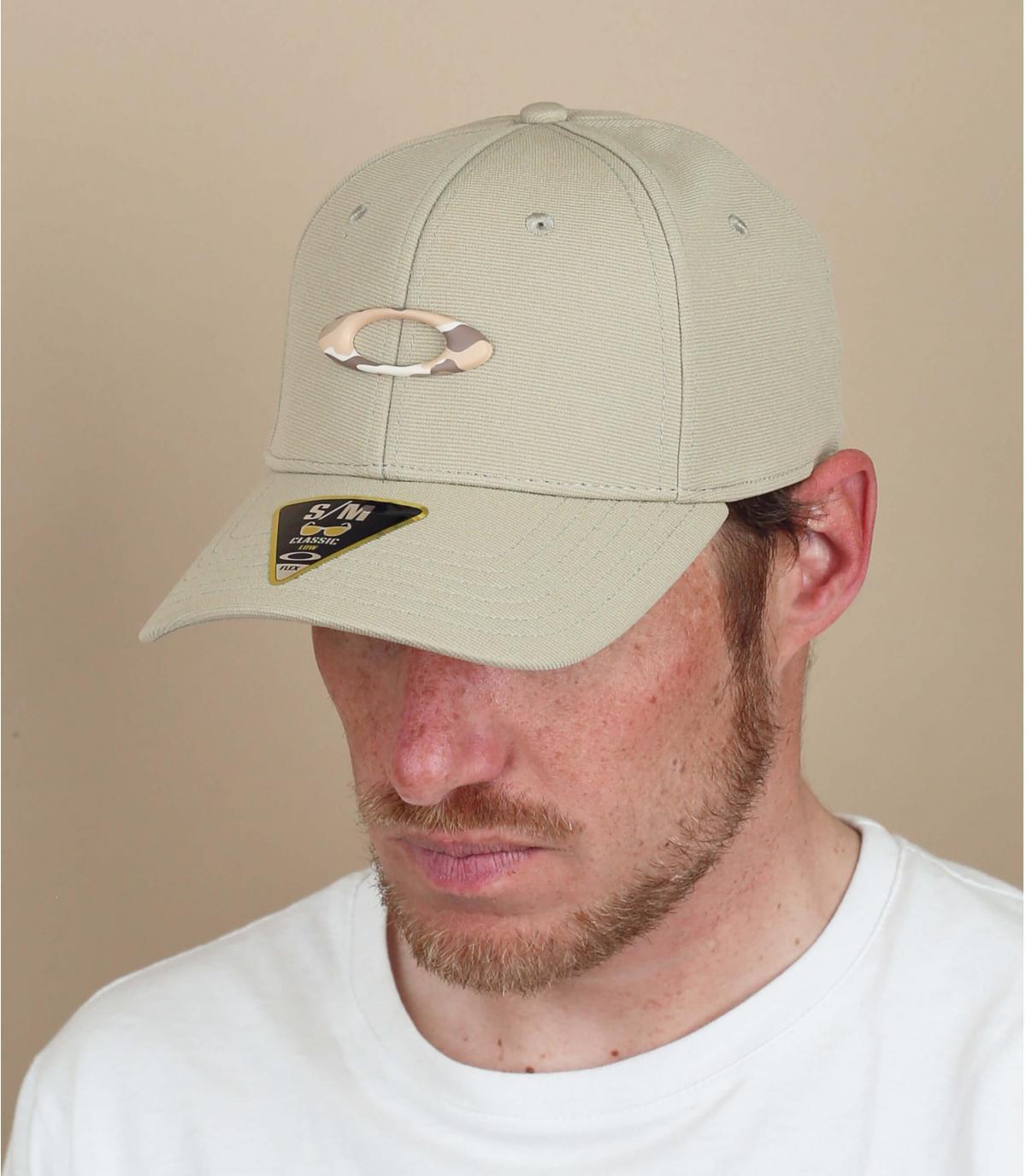 beige Oakley logo cap