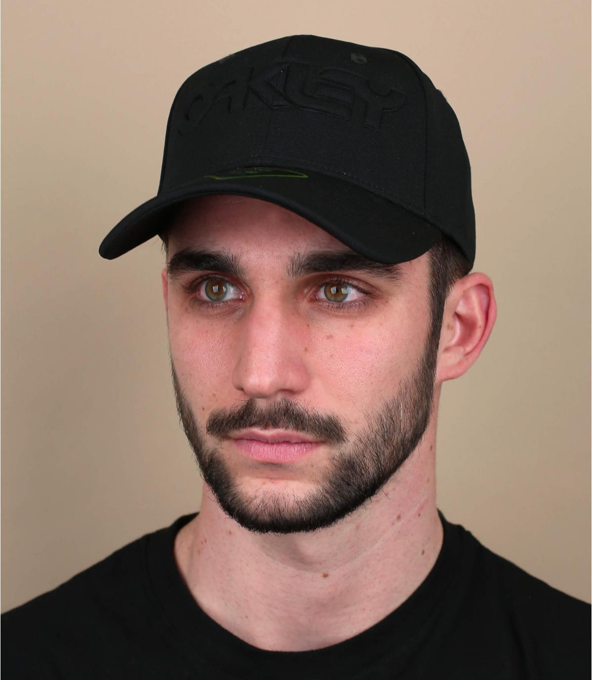 black Oakley logo cap