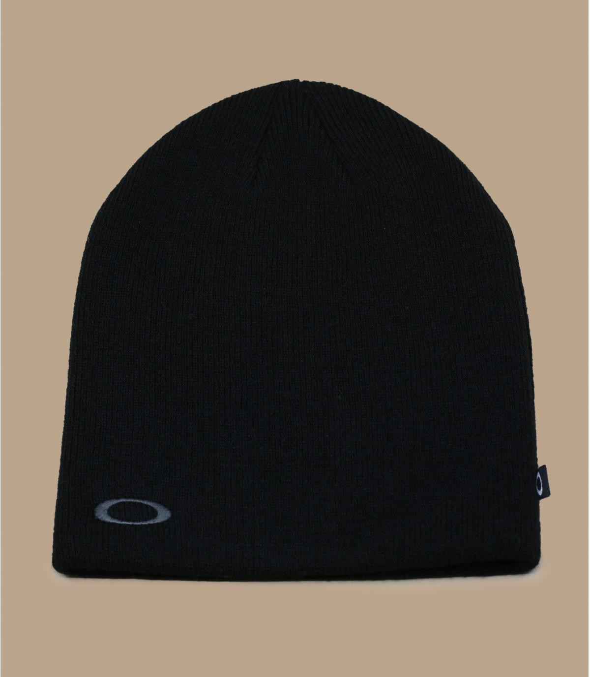 black Oakley beanie.