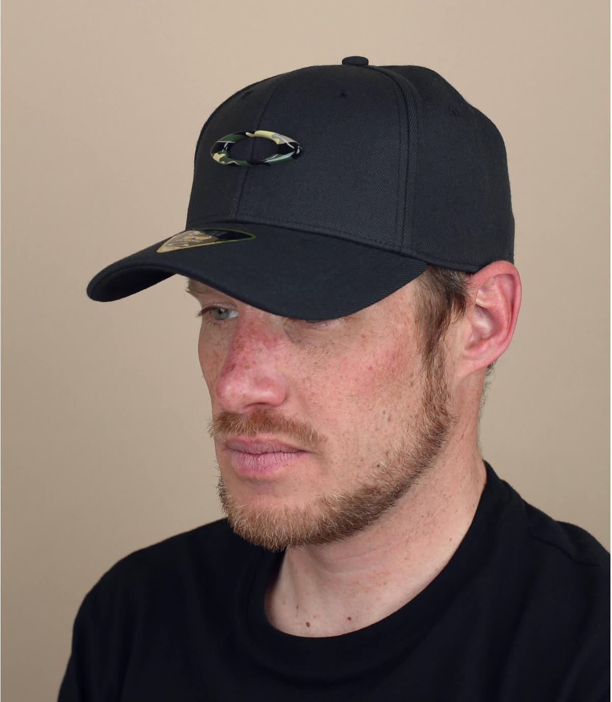 black camo Oakley cap