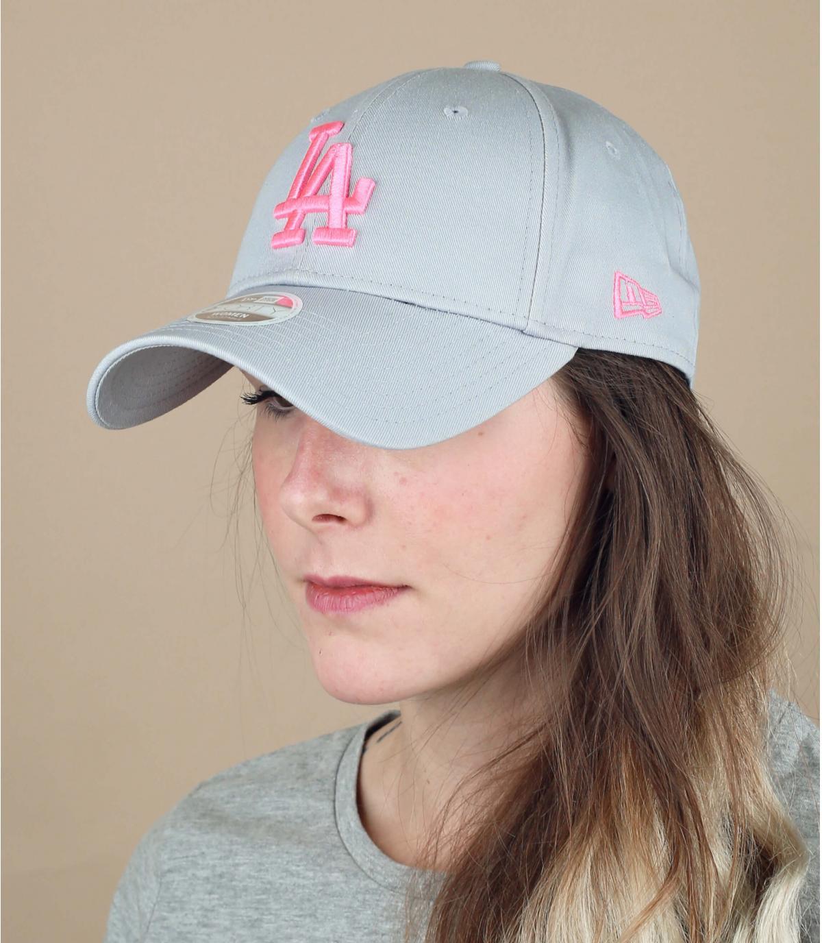 women LA cap grey pink