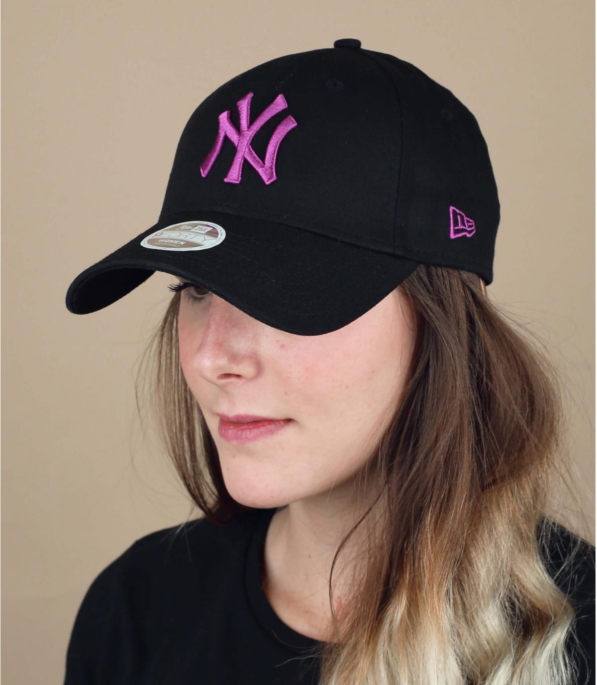 women NY black cap