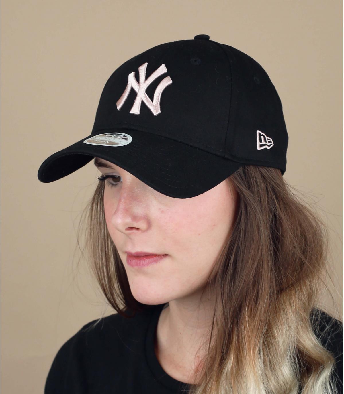 women NY cap black pink