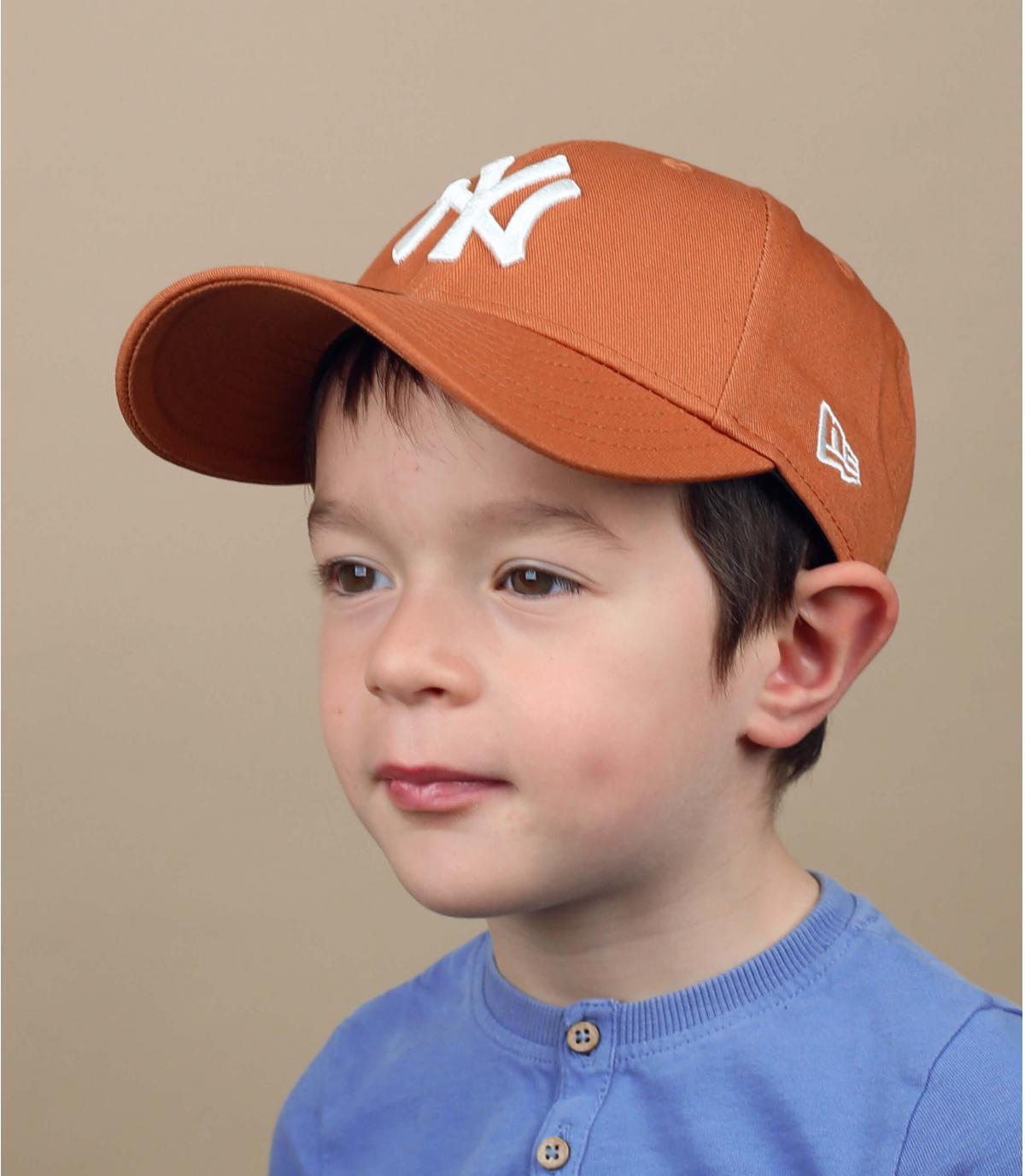 NY child cap beige