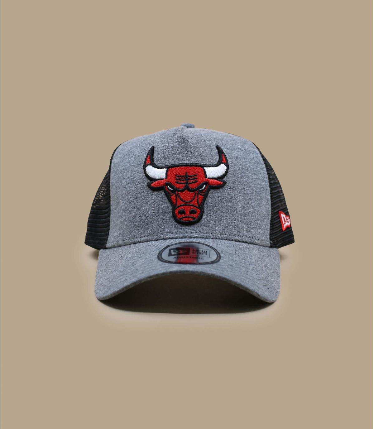 grey Bulls trucker