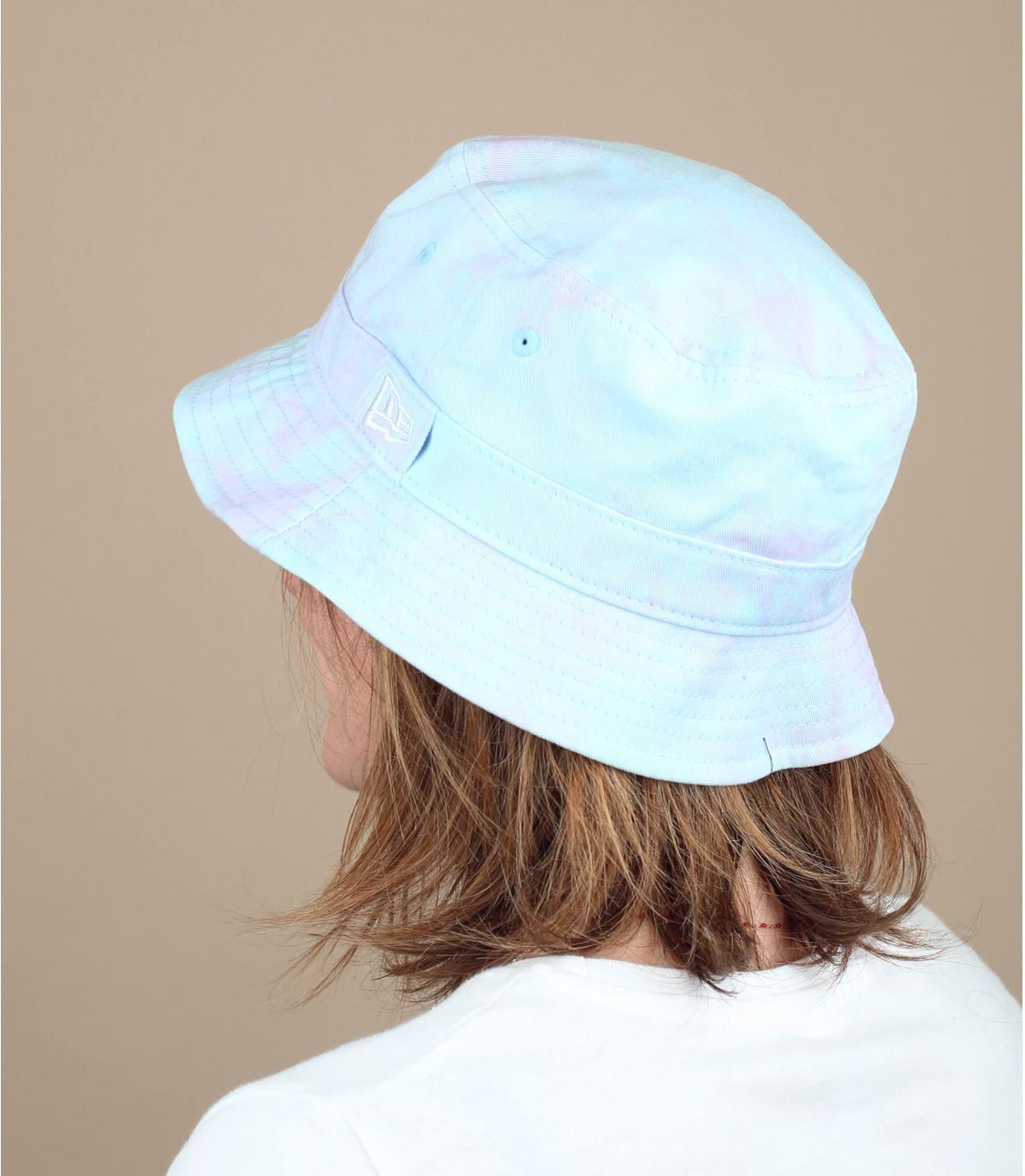 Tie & dye bucket hat.