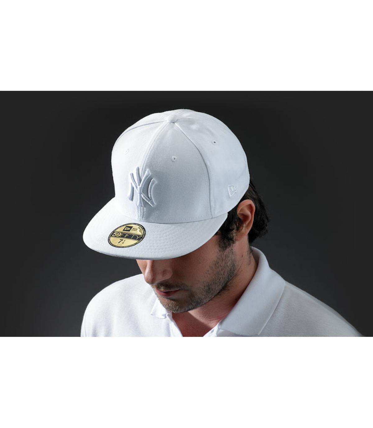ny cap white