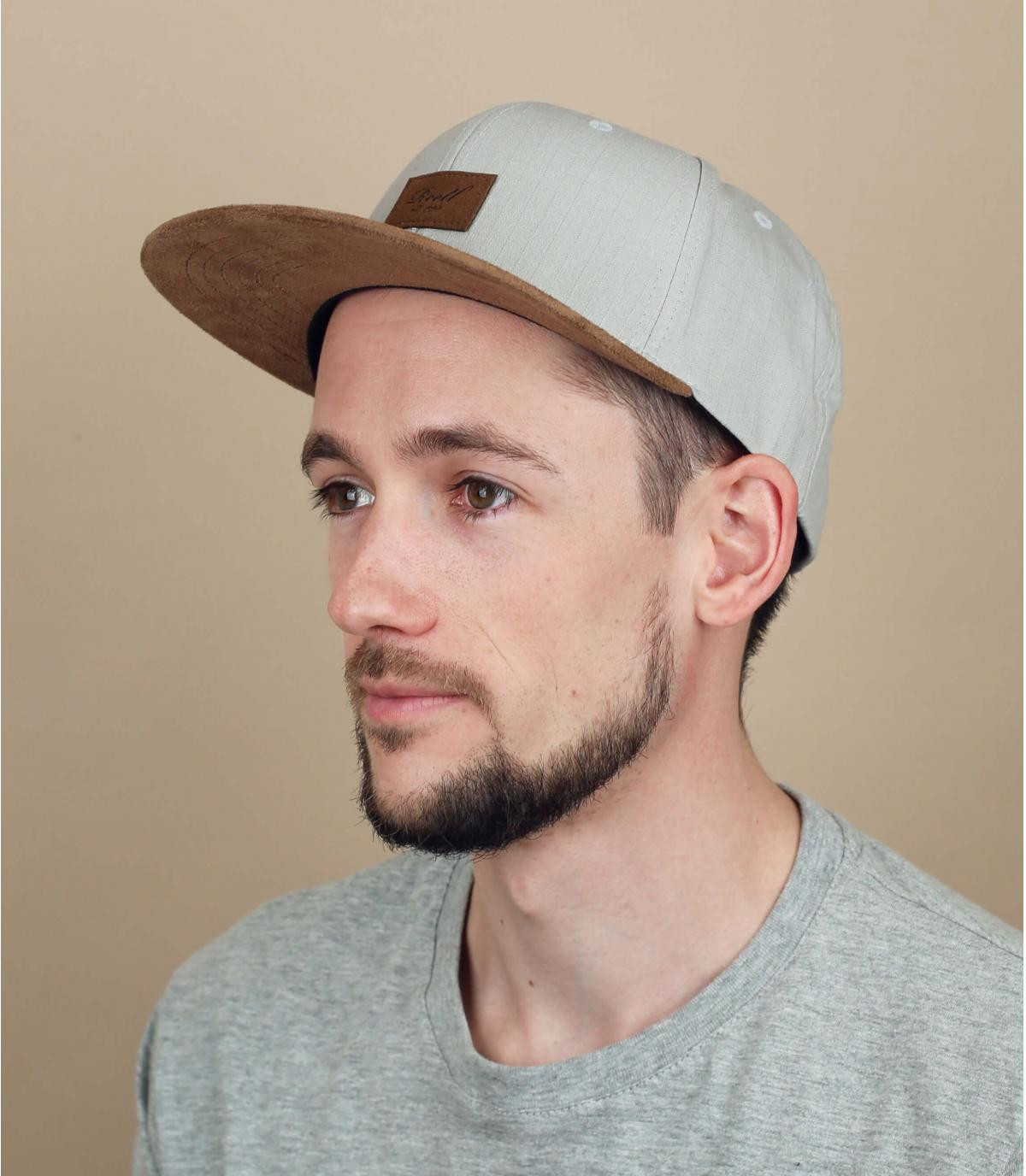 light grey Reell cap