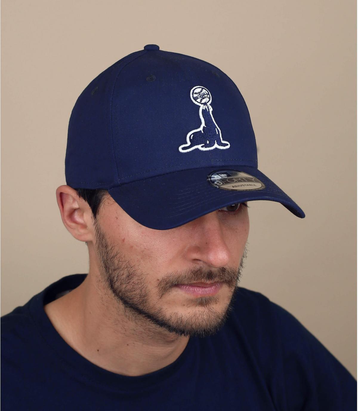 black seal cap